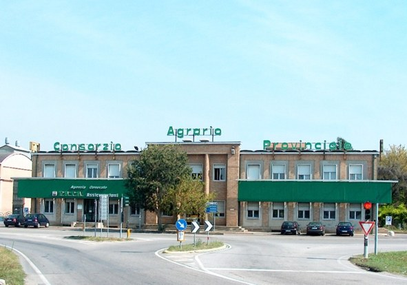 La sede del Consorzio Agrario di Ferrara